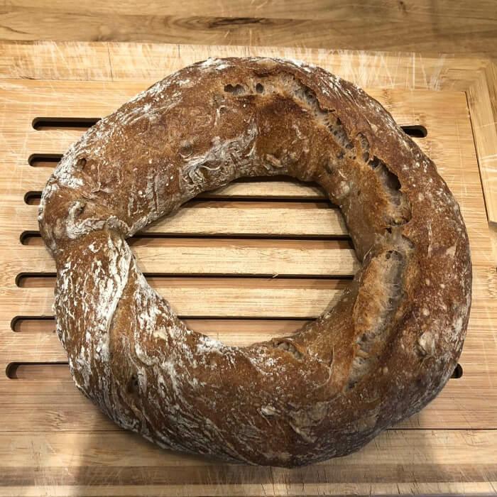 Bio Wallnussringerl aus der Camba-Bäckerei