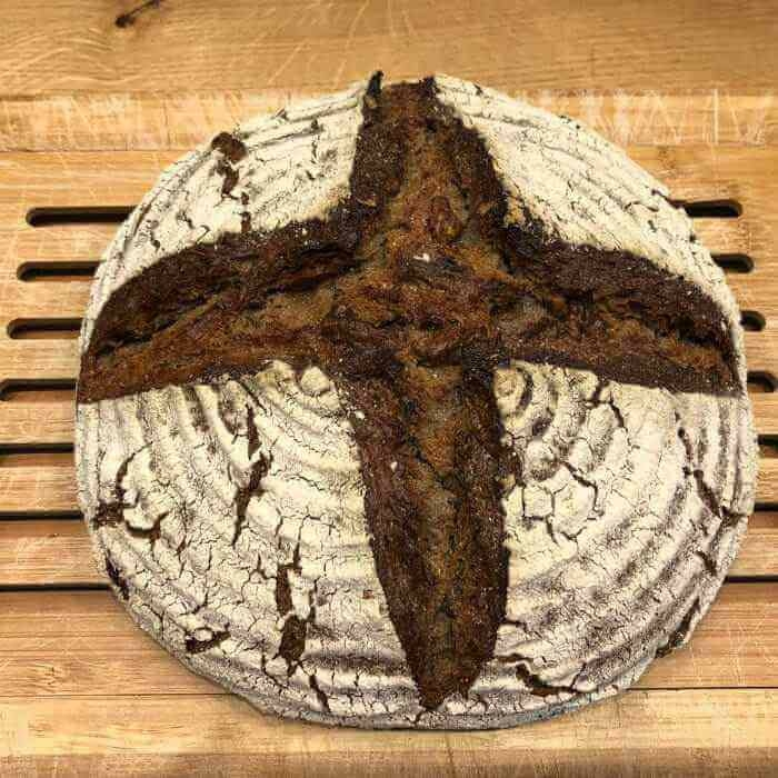 Bio Wallnussbrot aus der Camba-Bäckerei